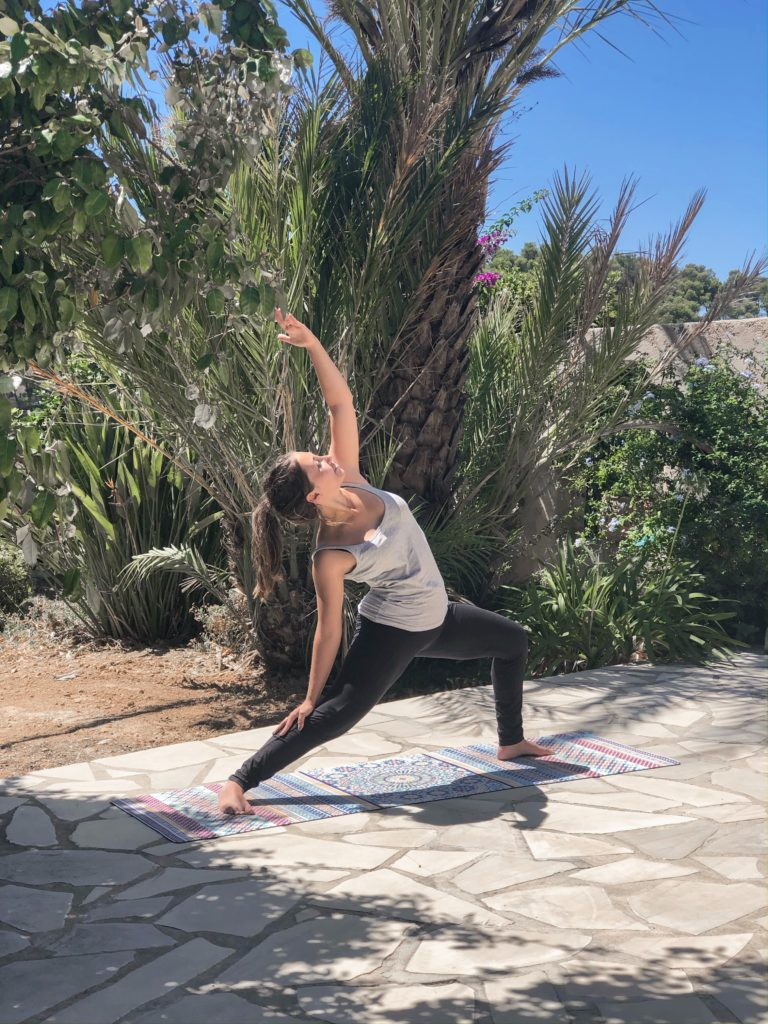 laura besson yoga