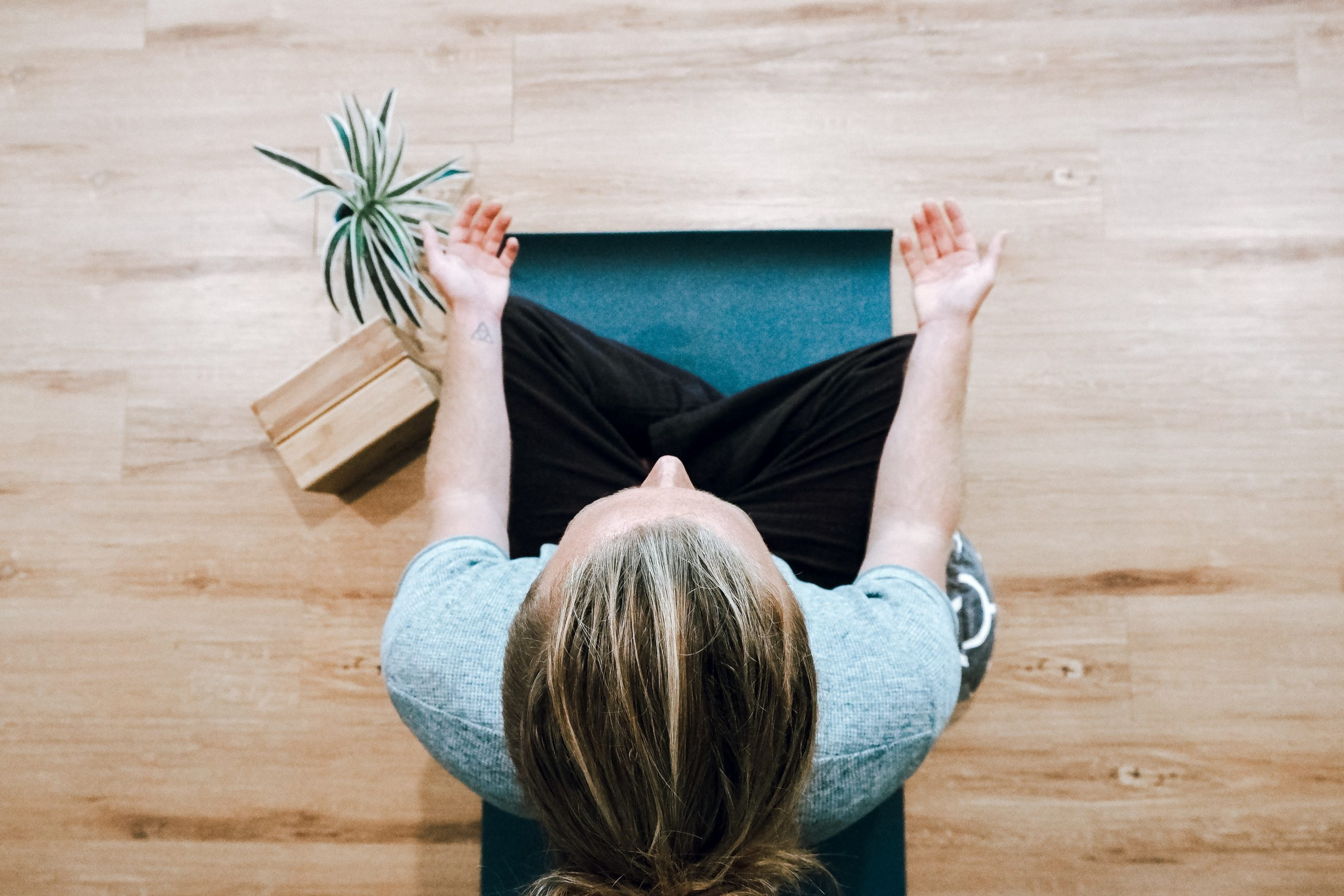 [Podcast] : Yoga-Thérapie, c'est quoi et comment ça peut aider ton business ?