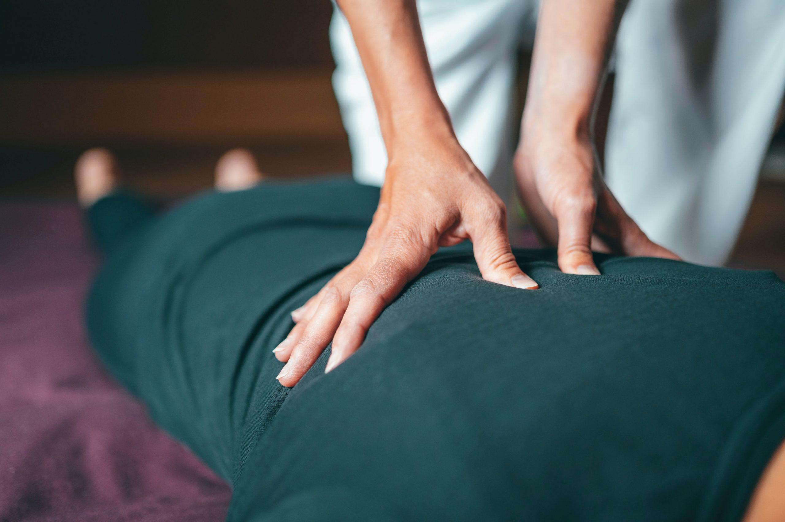 [Podcast] : Au secours, j'ai mal au dos ! (avec Marine Lirola, ostéopathe)